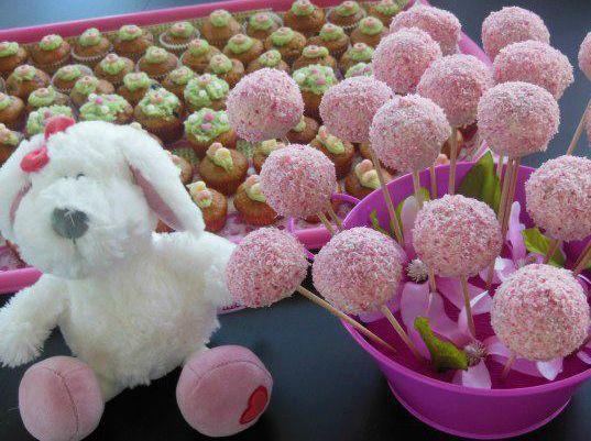 Dekoracija cakepopsov s kokosom